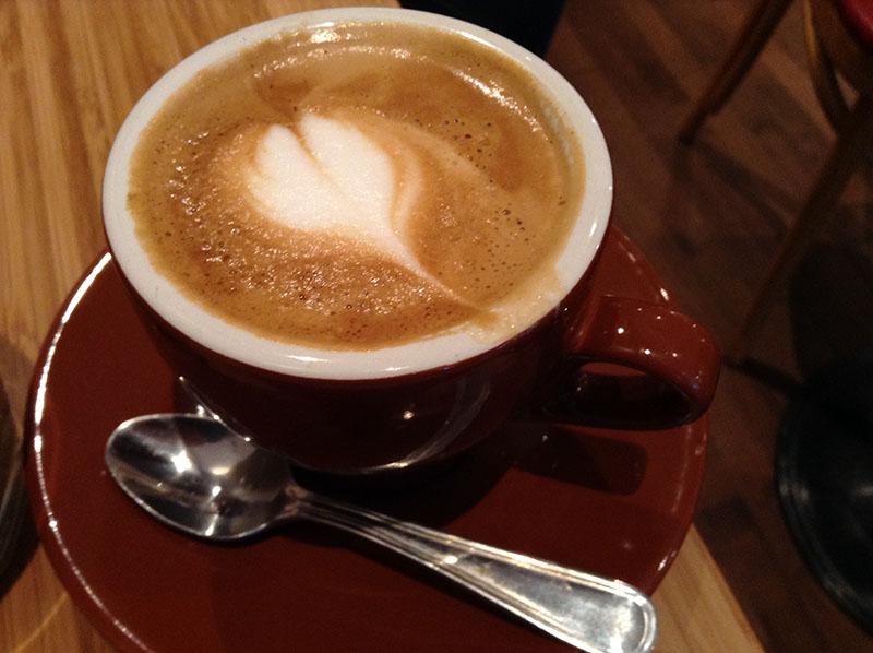Le cortado à Station W, pour un goût de café plus musclé que le latté.
