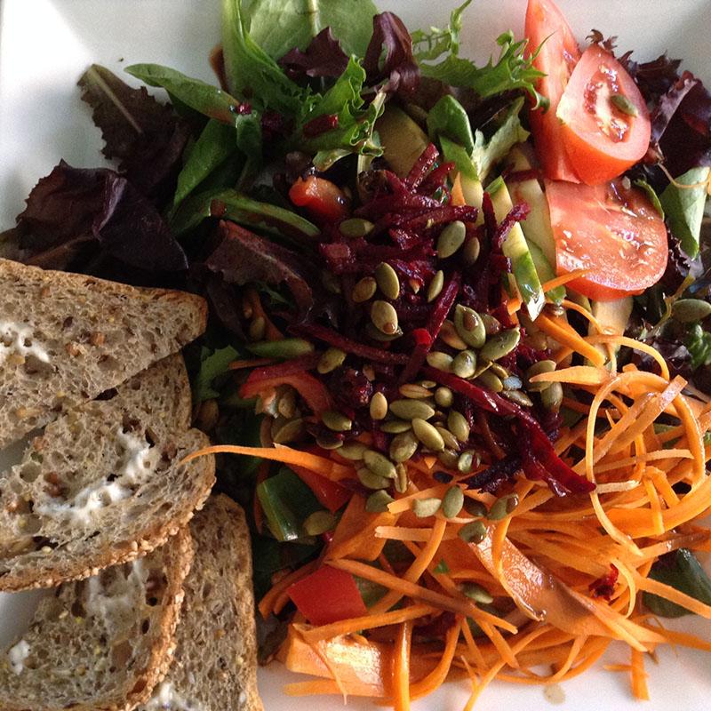 Le Cagibi - salade du jardin
