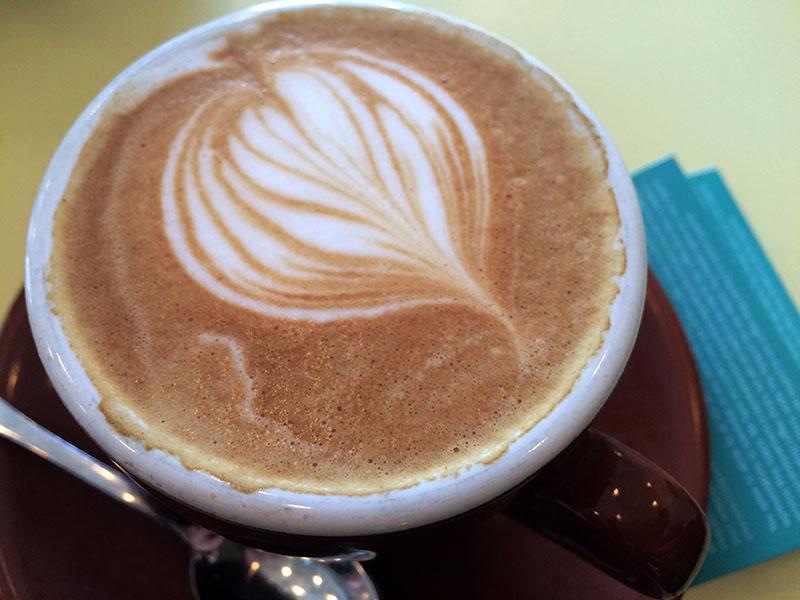 Cappuccino Larue & Fils : dose d'espresso italien et traitement